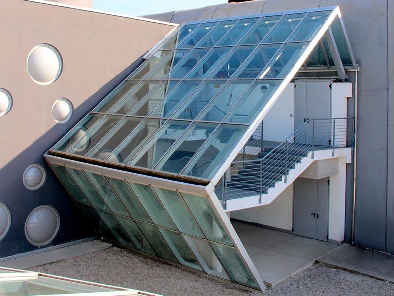 Vetrata-design-su-misura-scuola-privata-More-Space-thumb